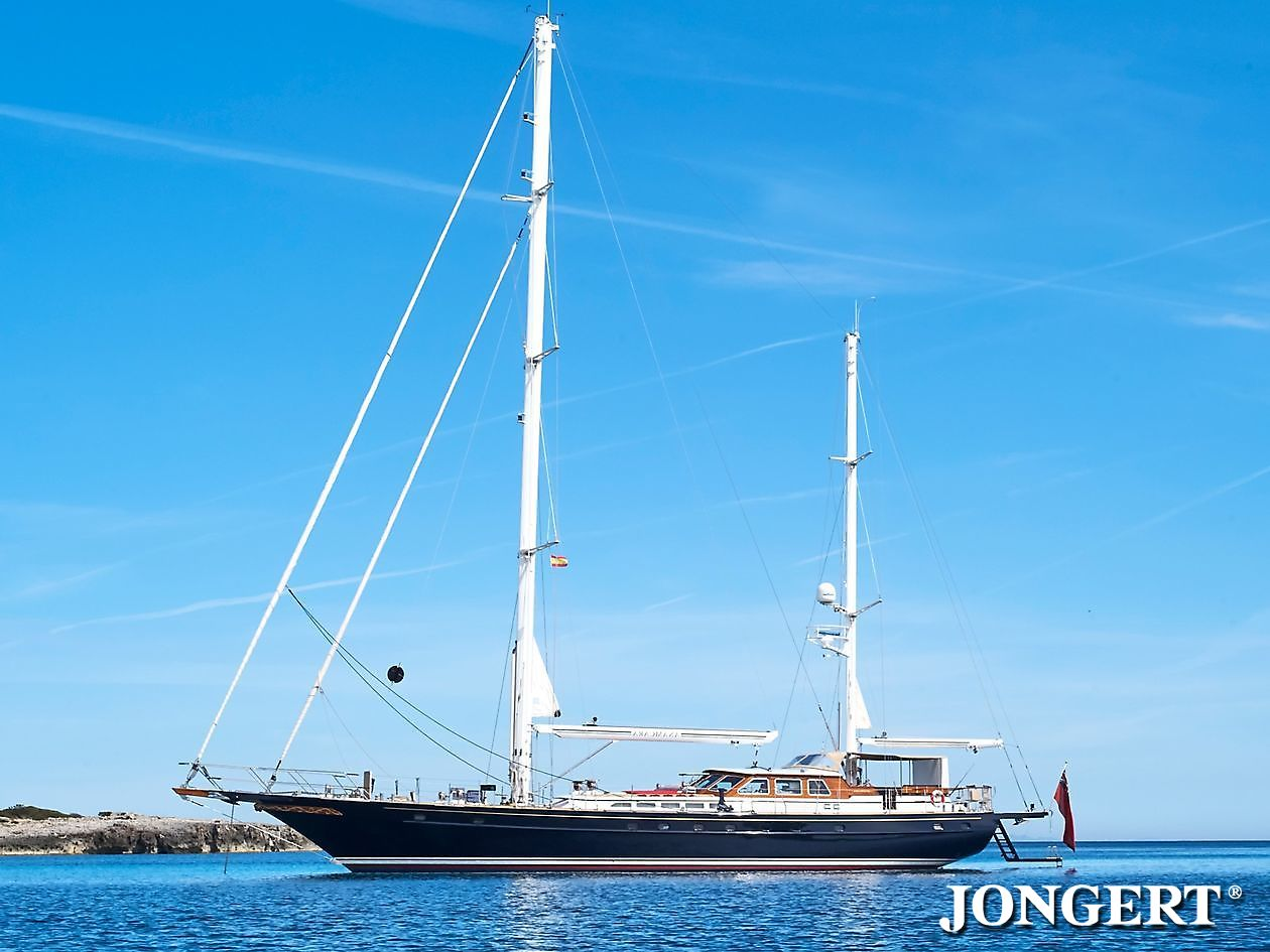 395 Anamcara At Anchor - Jongert Shipyard