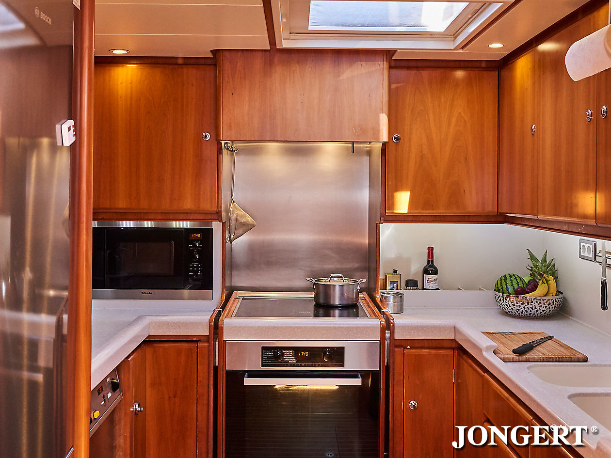 395 Anamcara Kitchen - Jongert Shipyard