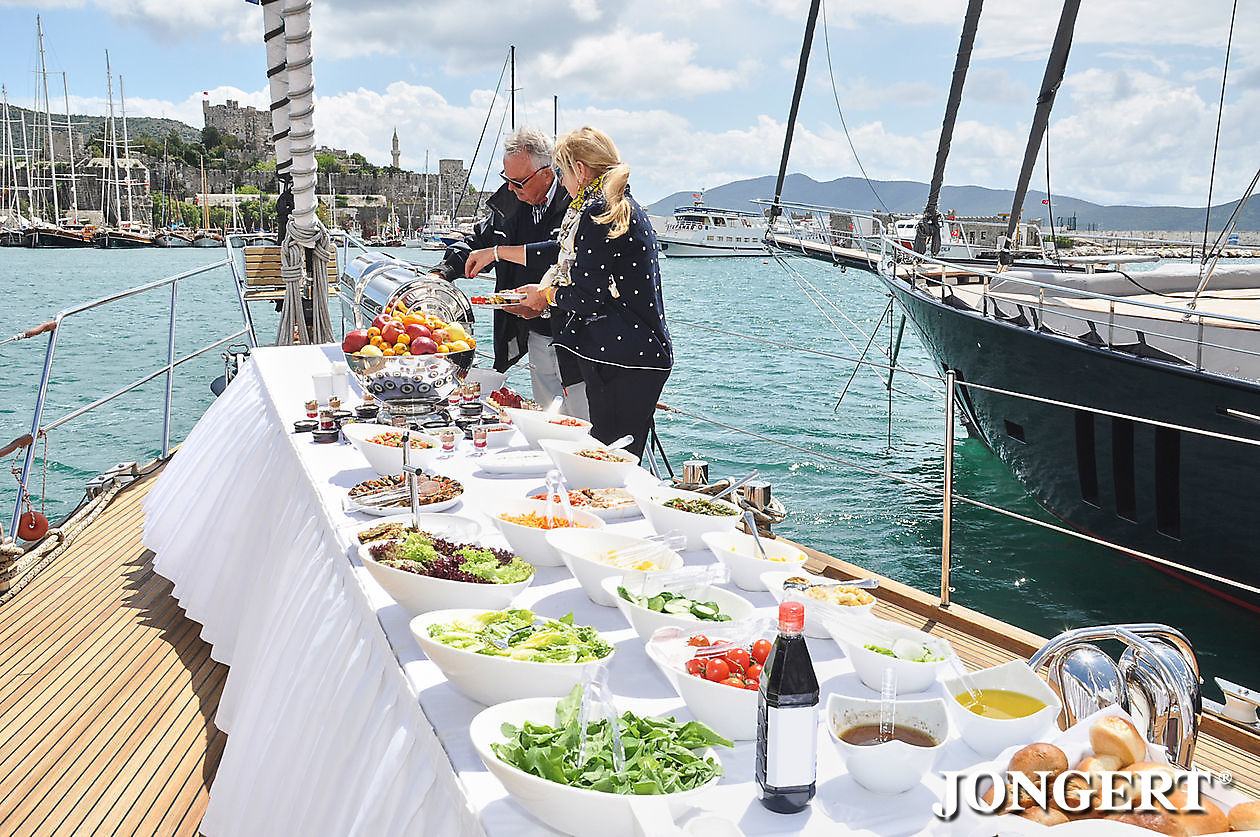 395 Anamcara Bow Lunch presentation - Jongert Shipyard
